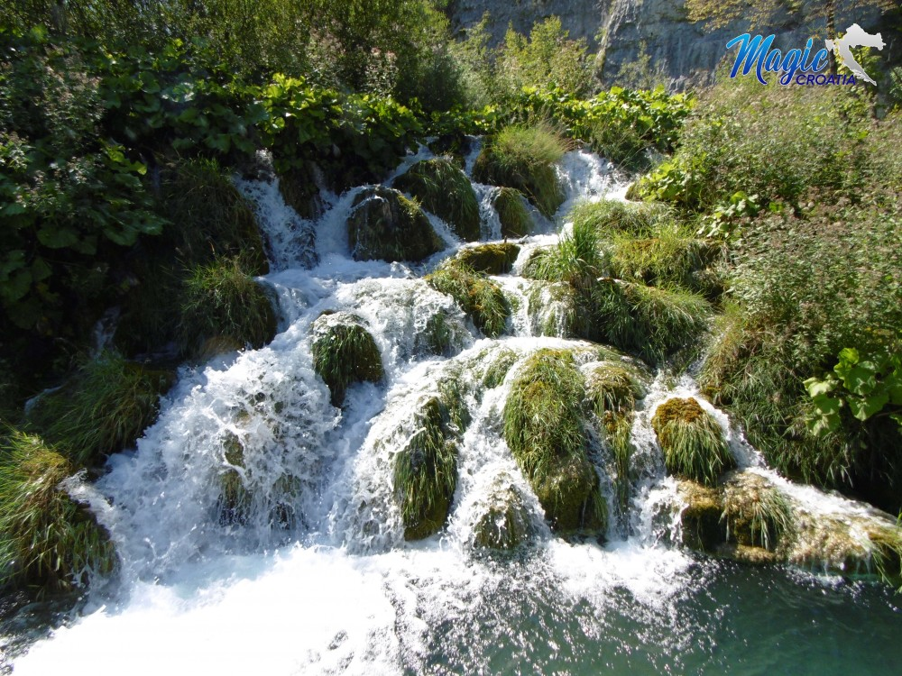 plitvice-waterfalls-national-park-magic-croatia