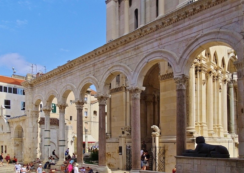 split-diocletian-palace-from-zadar