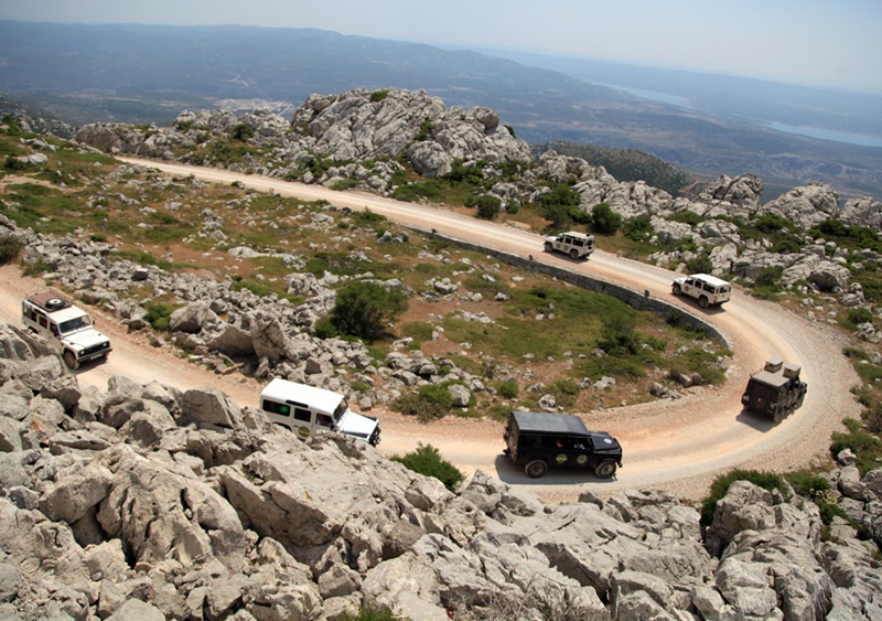 Team-building-jeep-safari-zadar