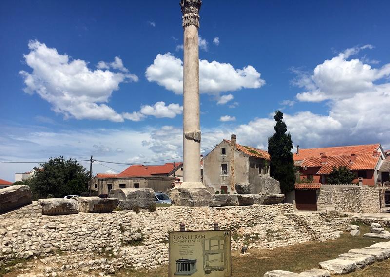 kraljevski-grad-nin-rimski-hram